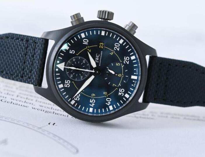 IWC timepiece is with high performance, attracting numerous men.