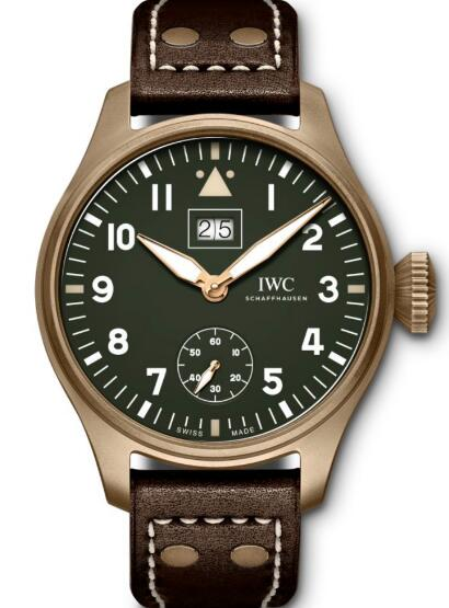 The green dial and bronze case leave deep impression on us.